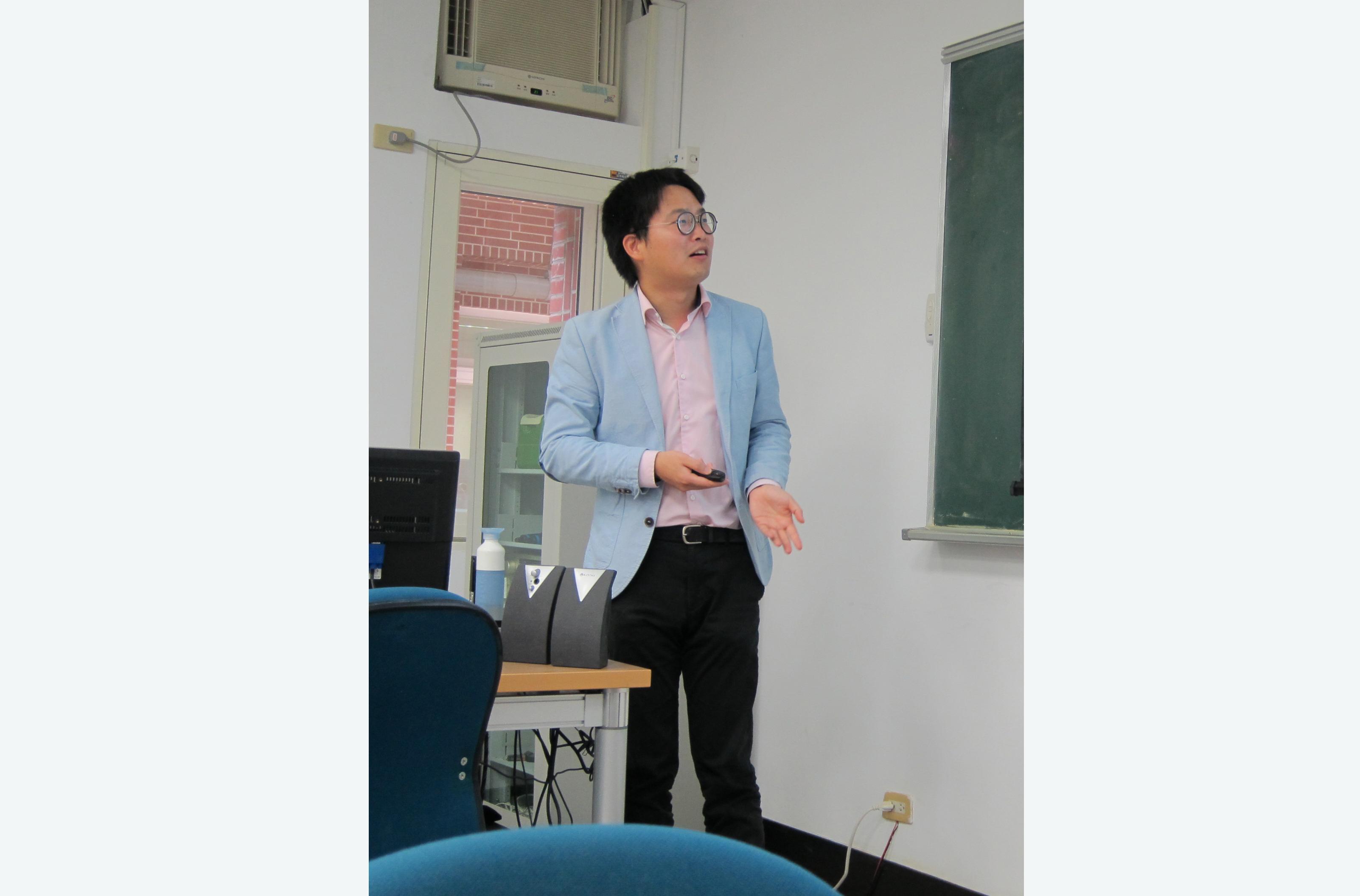 徐冠勉先生演講「廈門網絡之後、廣州體系之外:潮州聯號會館組織在清代海洋貿易中的興起(1700-1800)」紀要